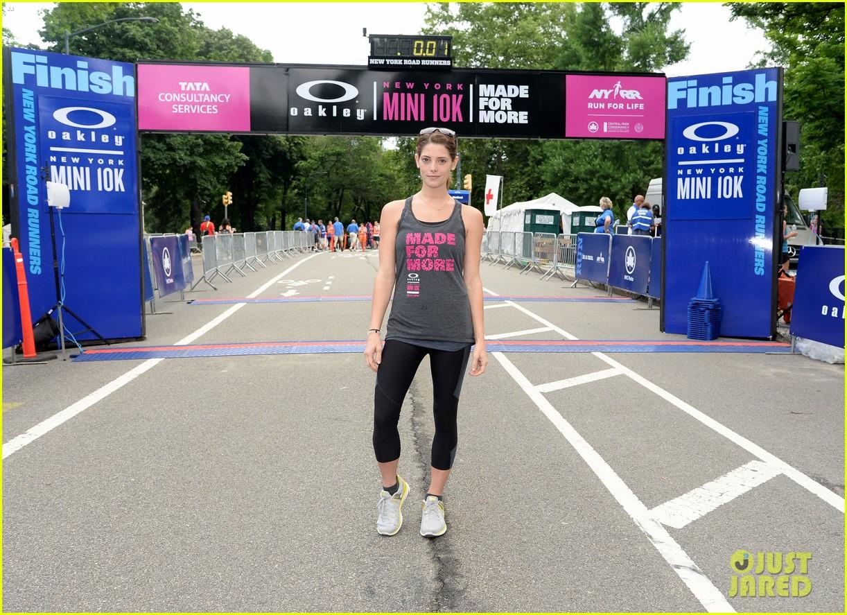 ashley greene oakley new york 10k race 013135428