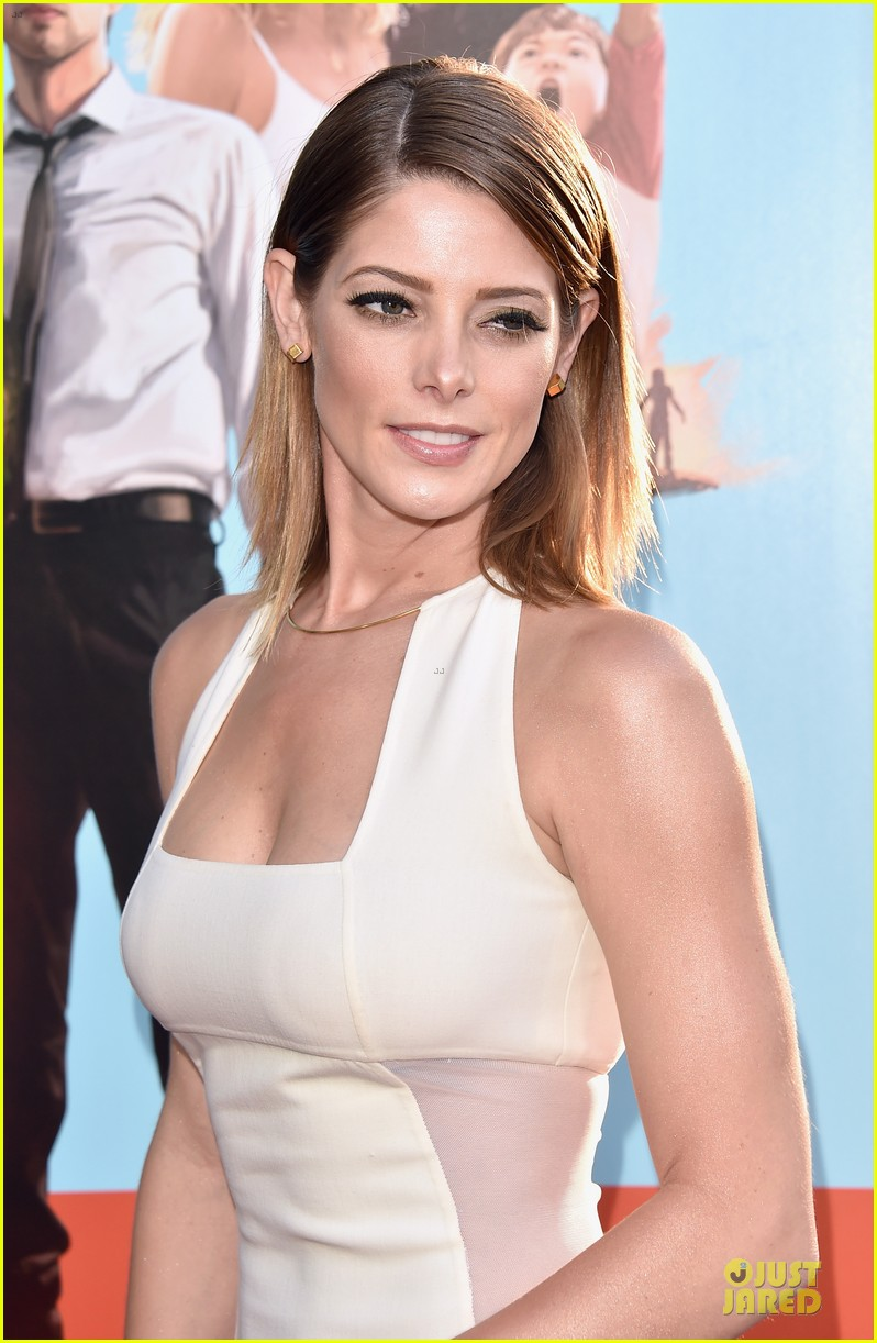 ashley greene joey king wish i was here premiere 043142186
