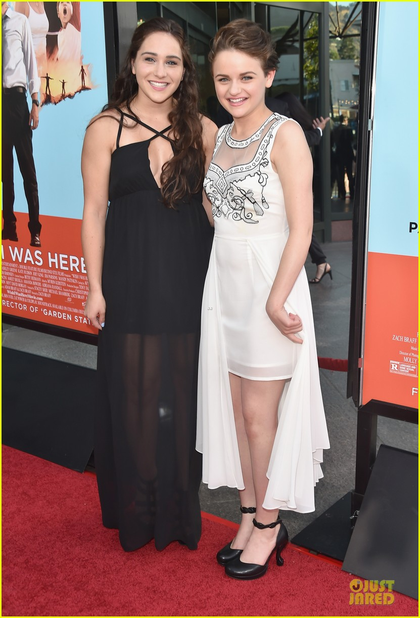 ashley greene joey king wish i was here premiere 073142189