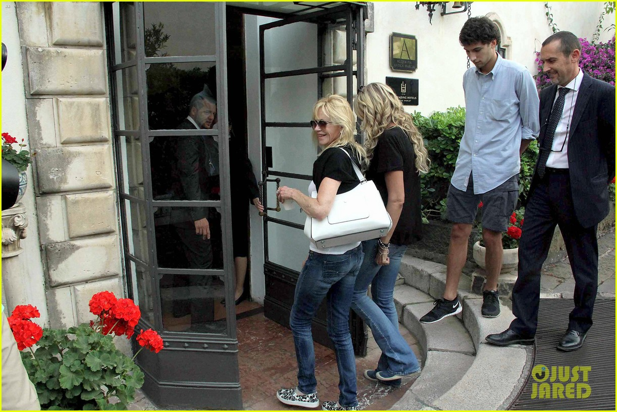melanie griffith hangs with eva longoria after split 223136695