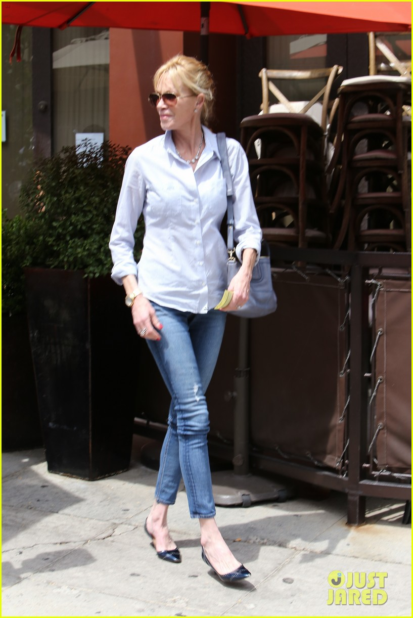 melanie griffith greets pippin hottie kyle dean massey 043144326
