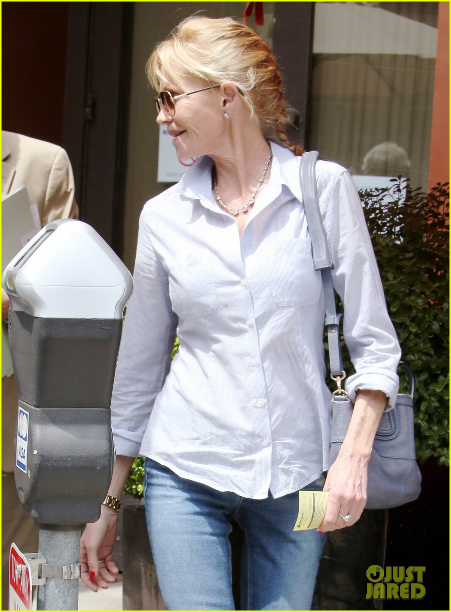 melanie griffith greets pippin hottie kyle dean massey 08