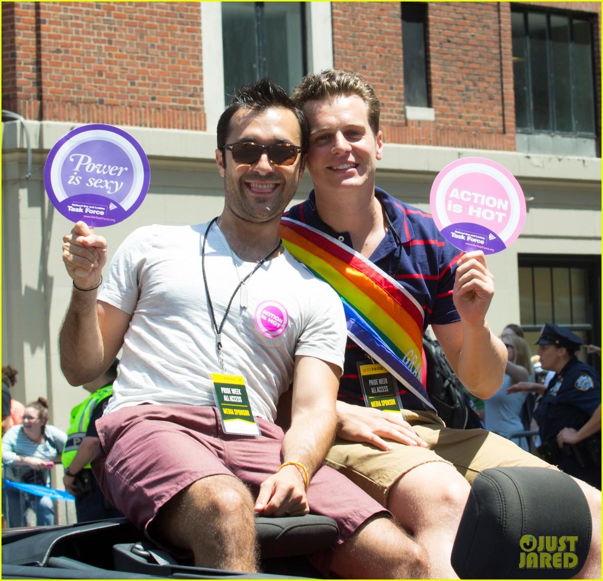 jonathan groff nyc gay pride parade coming out 033146150