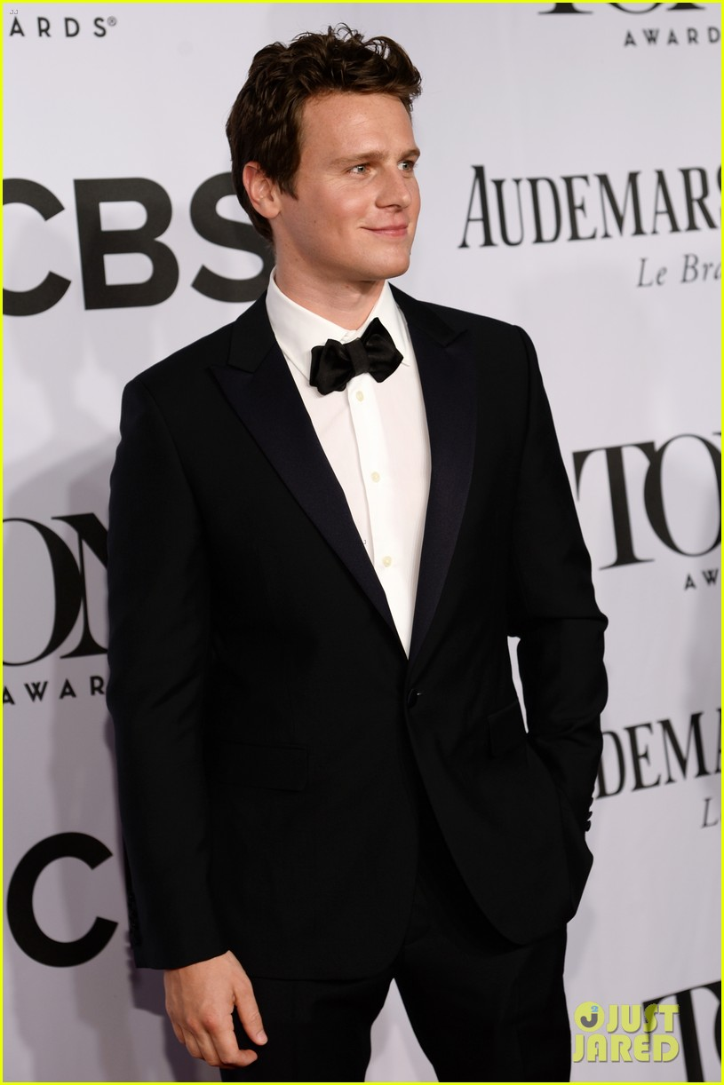 jonathan groff tony awards 2014 01