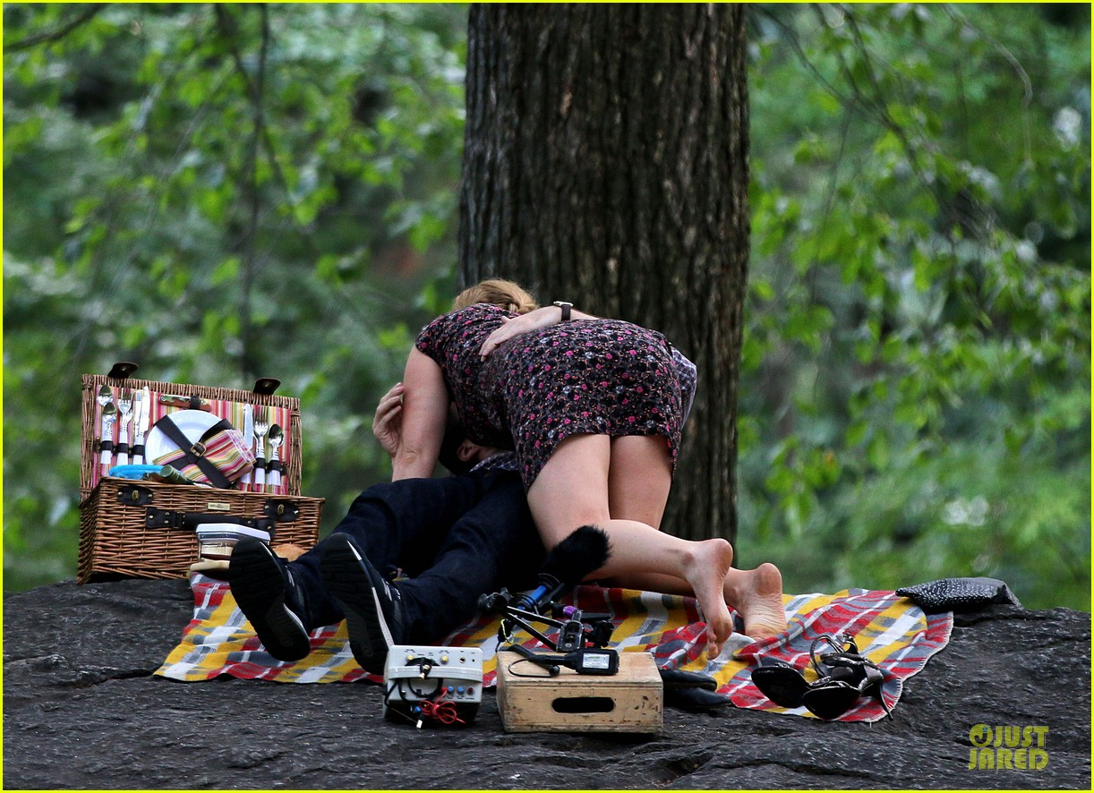 bill hader amy schumer kissing in central park 073145169