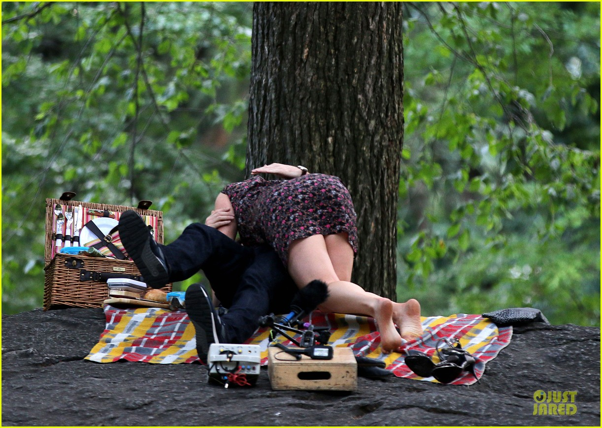 bill hader amy schumer kissing in central park 083145170