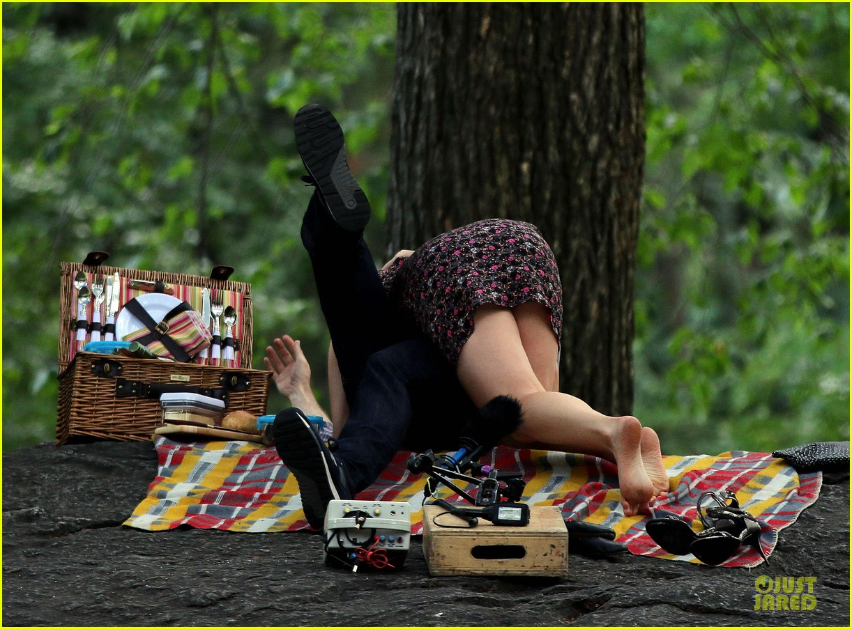 bill hader amy schumer kissing in central park 093145171