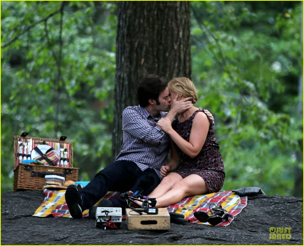 bill hader amy schumer kissing in central park 11