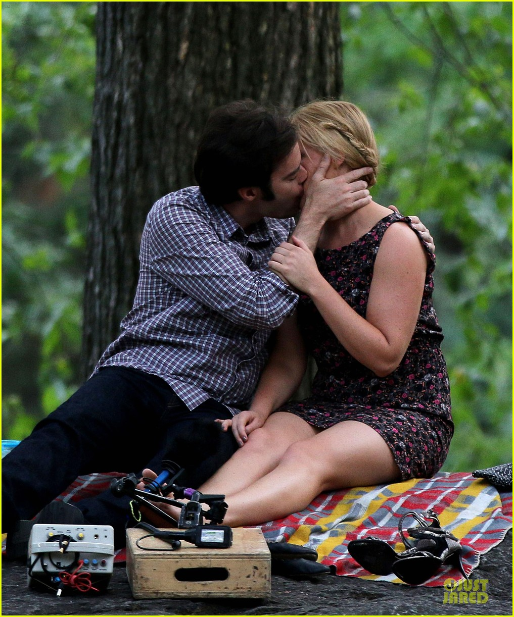 bill hader amy schumer kissing in central park 123145174