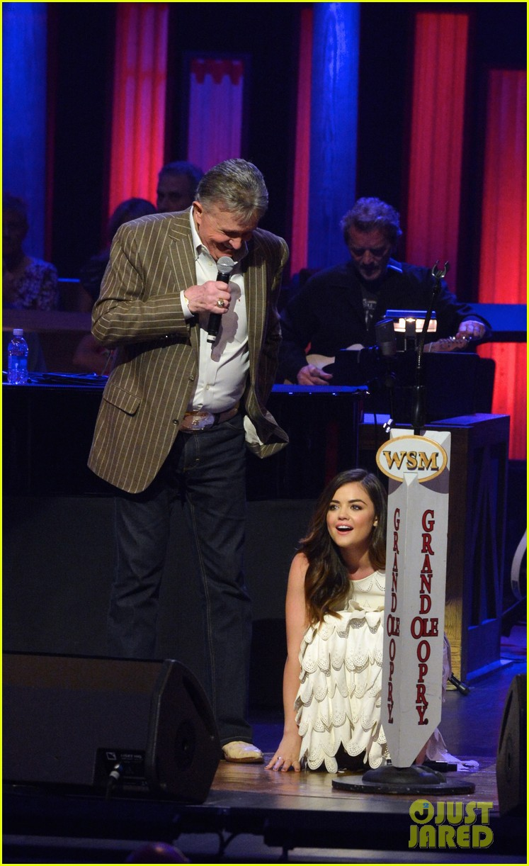 lucy hale makes her grand ole opry debut 083141068