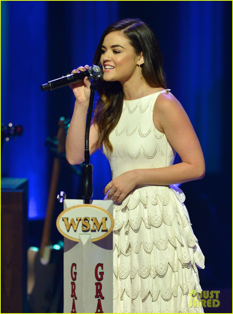 lucy hale makes her grand ole opry debut 163141076
