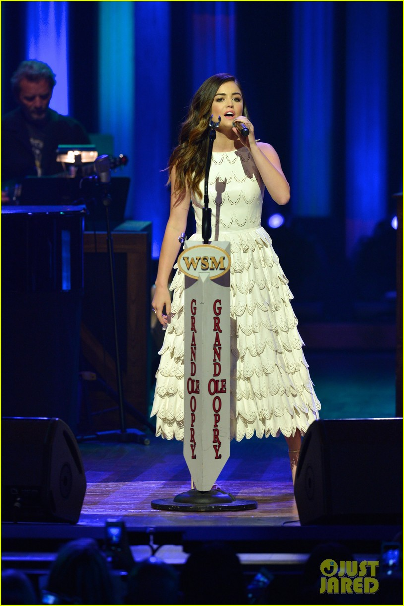 lucy hale makes her grand ole opry debut 193141079