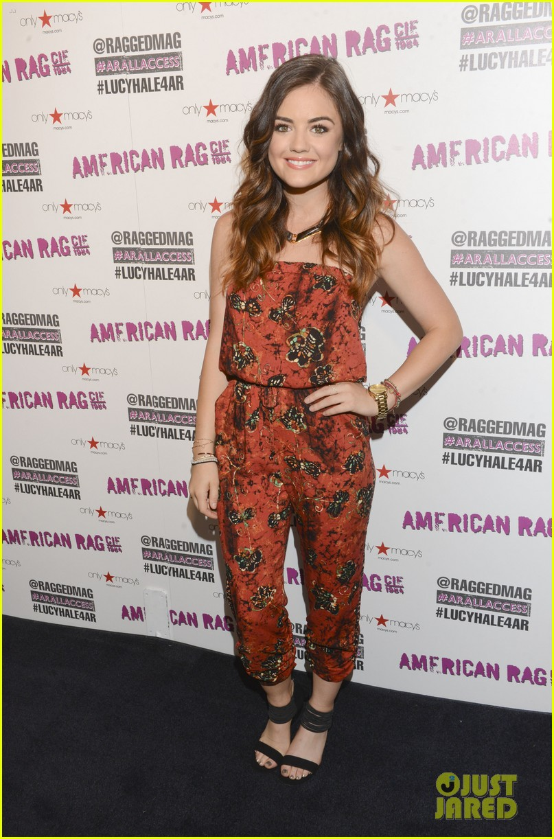 lucy hale all access mall meet up 06