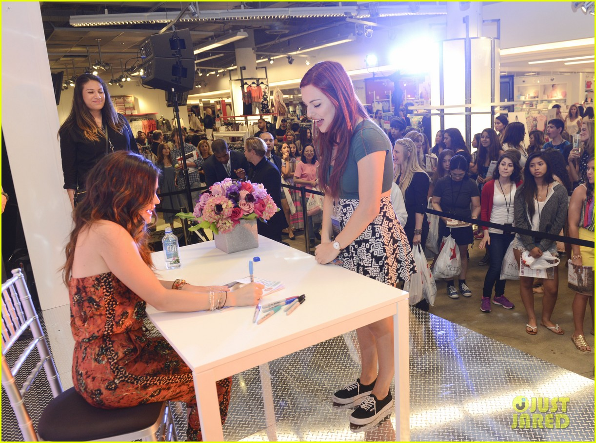 lucy hale all access mall meet up 10