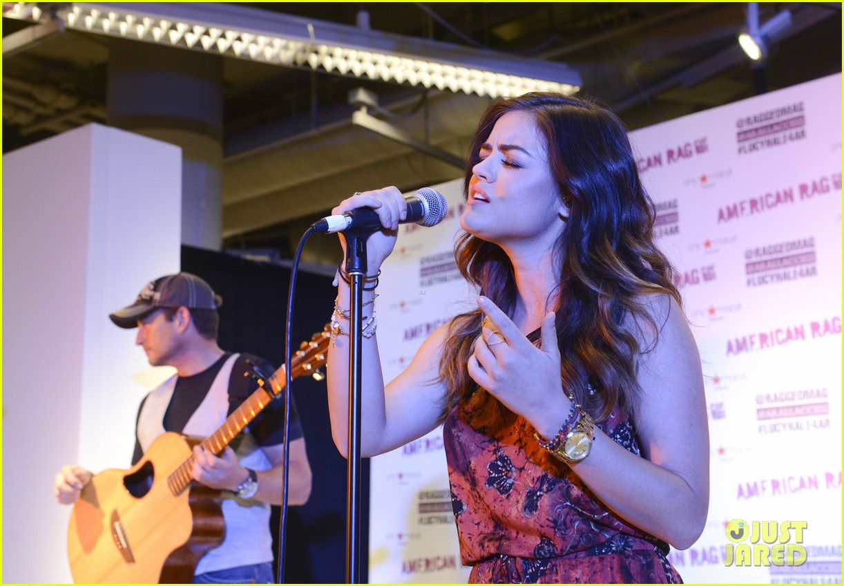 lucy hale all access mall meet up 213135763