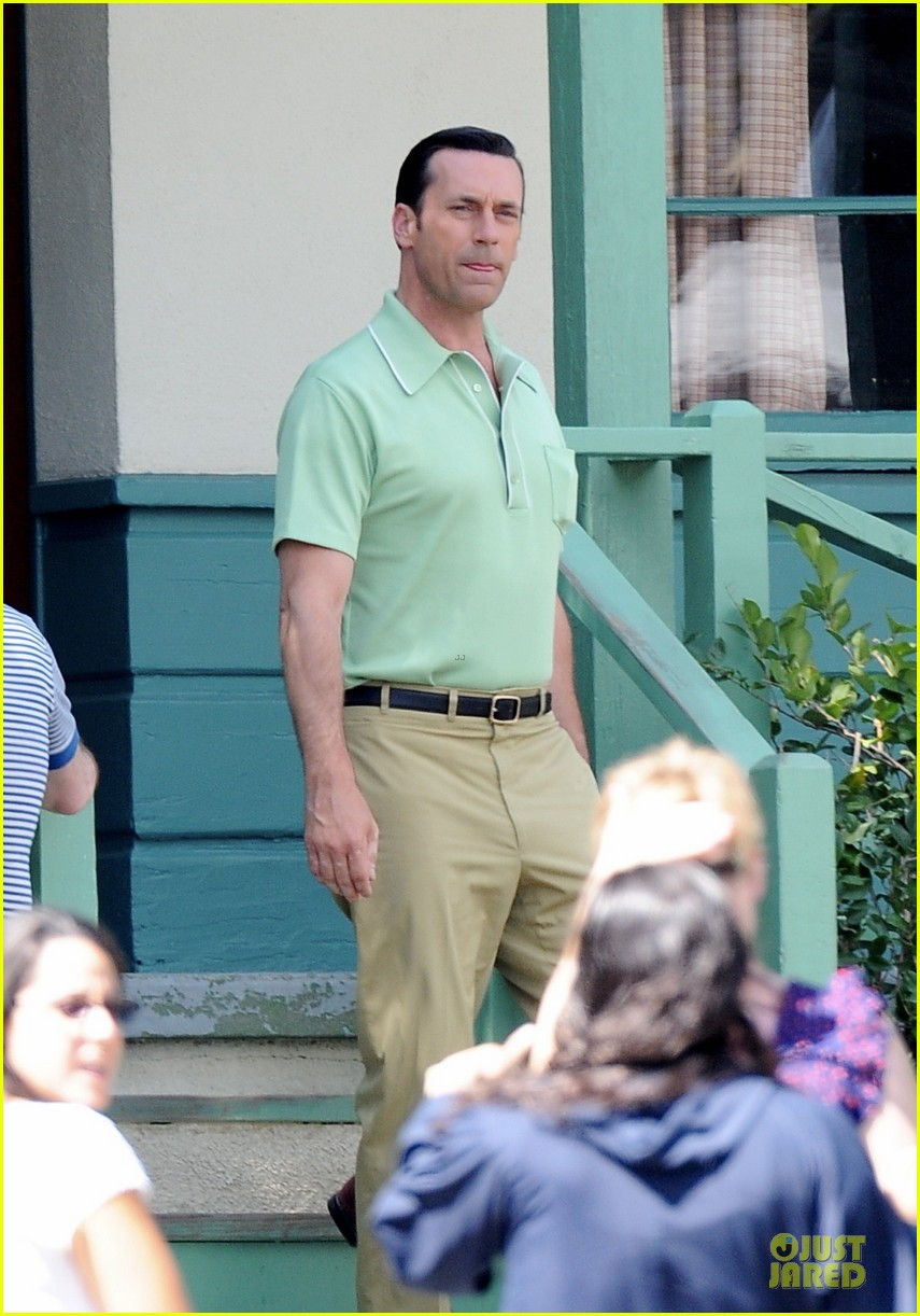 jon hamm showcases vocals at baseball game 073137028