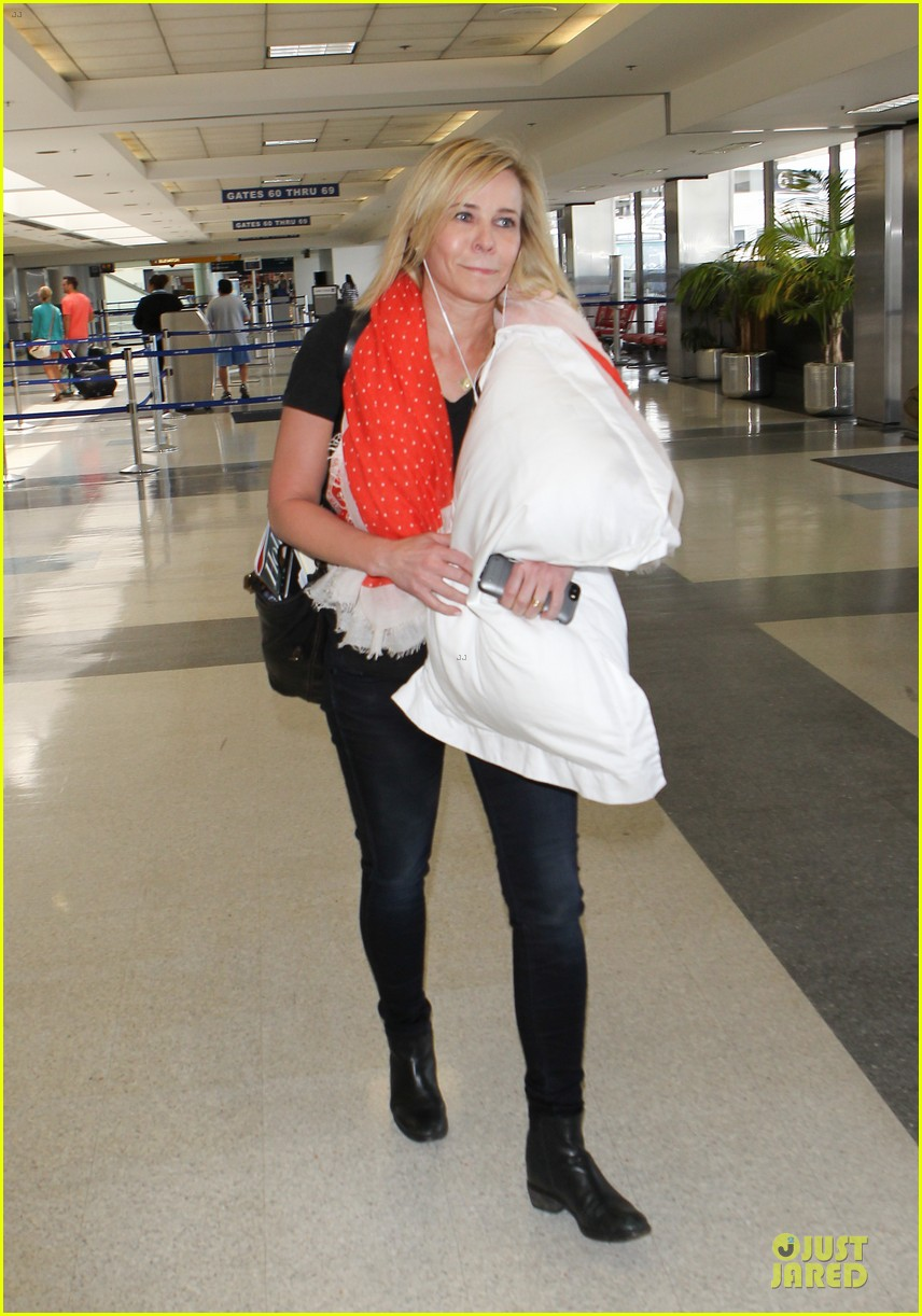 chelsea handler lax departure as comfy as possible 033145183