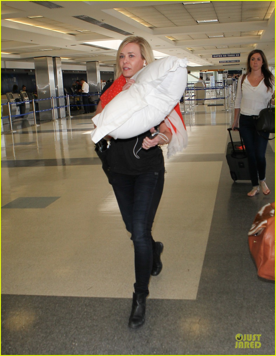 chelsea handler lax departure as comfy as possible 053145185