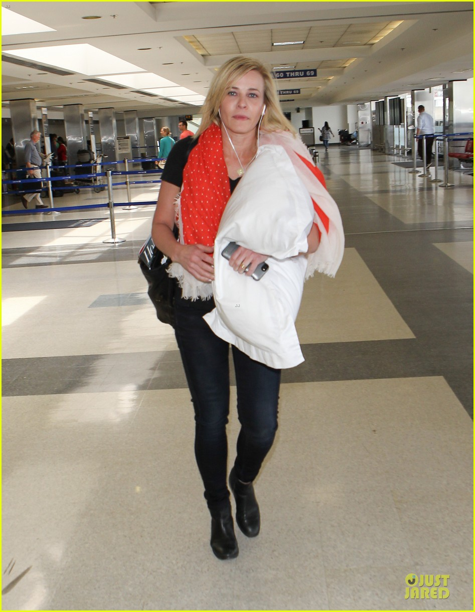 chelsea handler lax departure as comfy as possible 083145188