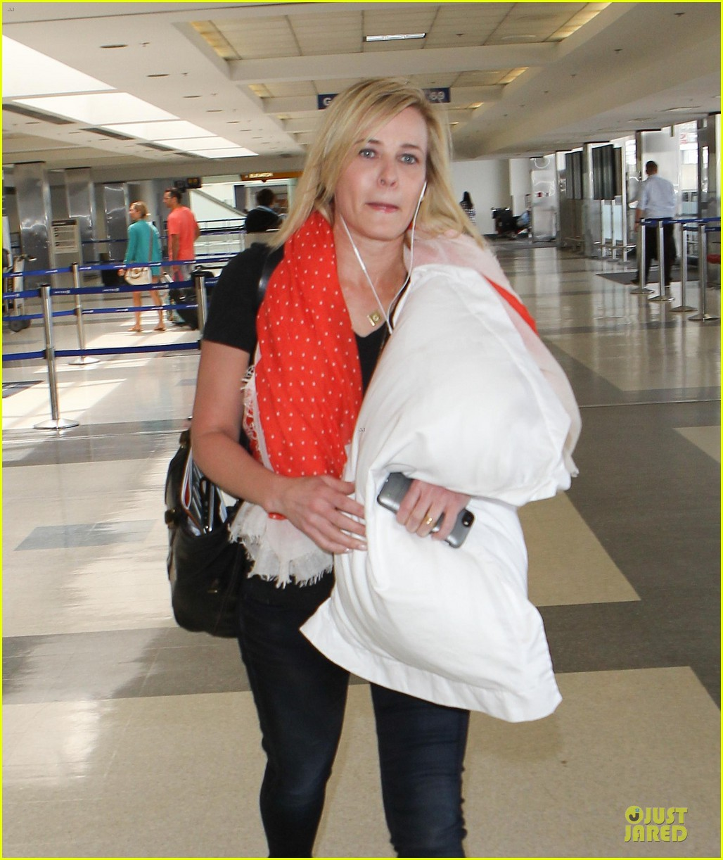 chelsea handler lax departure as comfy as possible 093145189