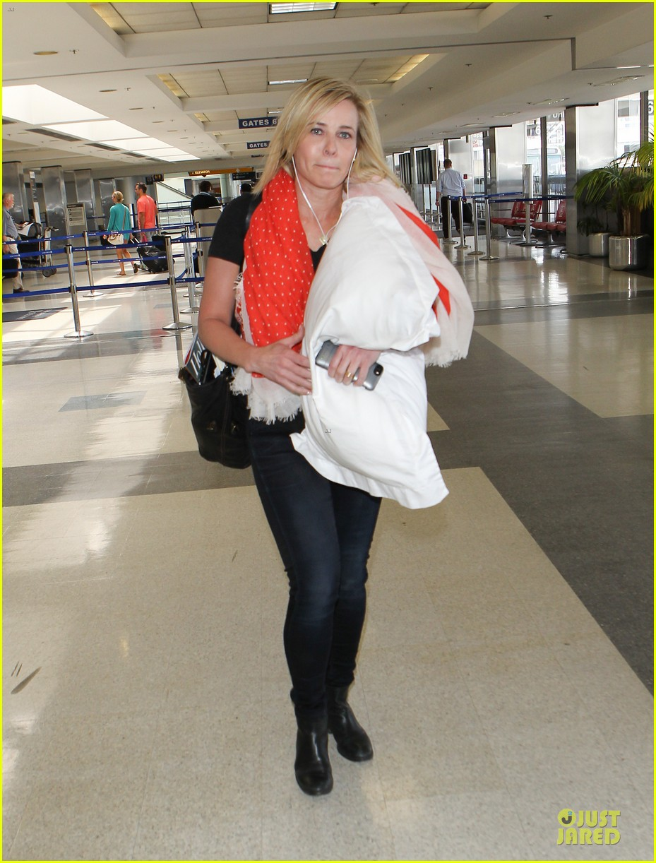 chelsea handler lax departure as comfy as possible 103145190