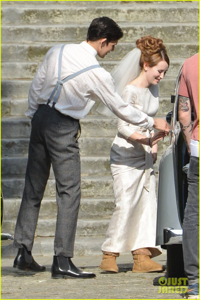tom hardy emily browning get married for legend 143135297