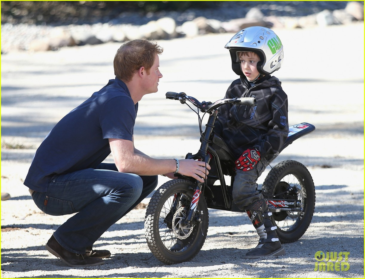 prince harry busts a move children chile visit 013146199