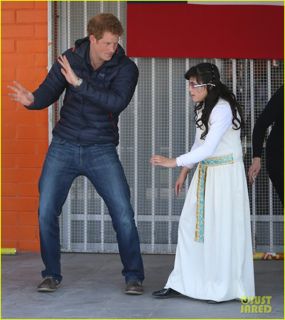 prince harry busts a move children chile visit 203146218