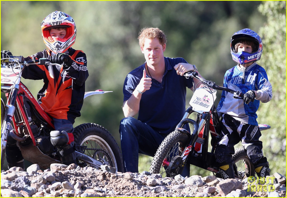 prince harry busts a move children chile visit 223146220