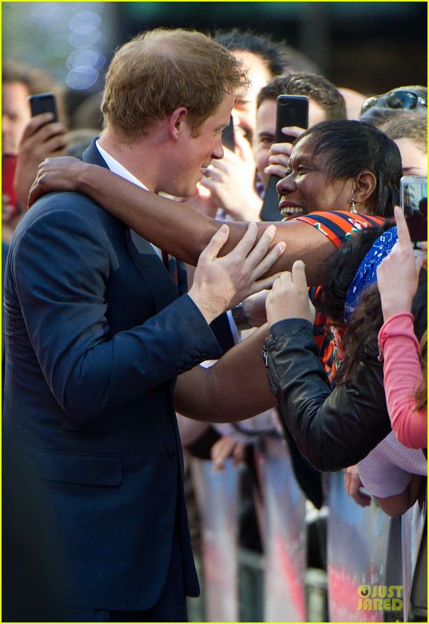 prince harry interaction with goat melt your heart 09