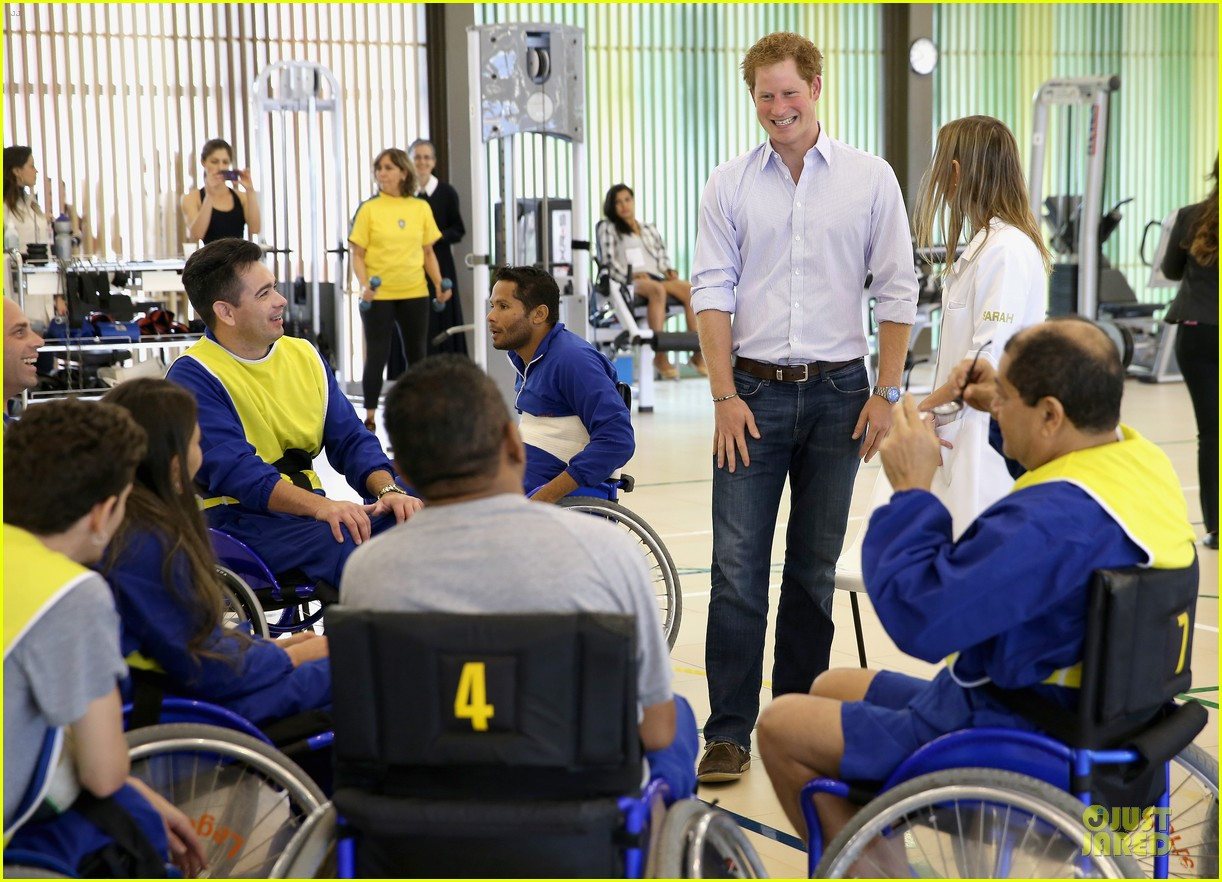 prince harry smile brightens the day at brazilian hospital 07