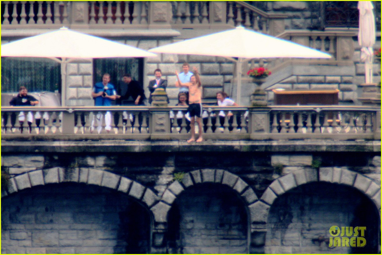 harry styles jumps into lake como 103146806
