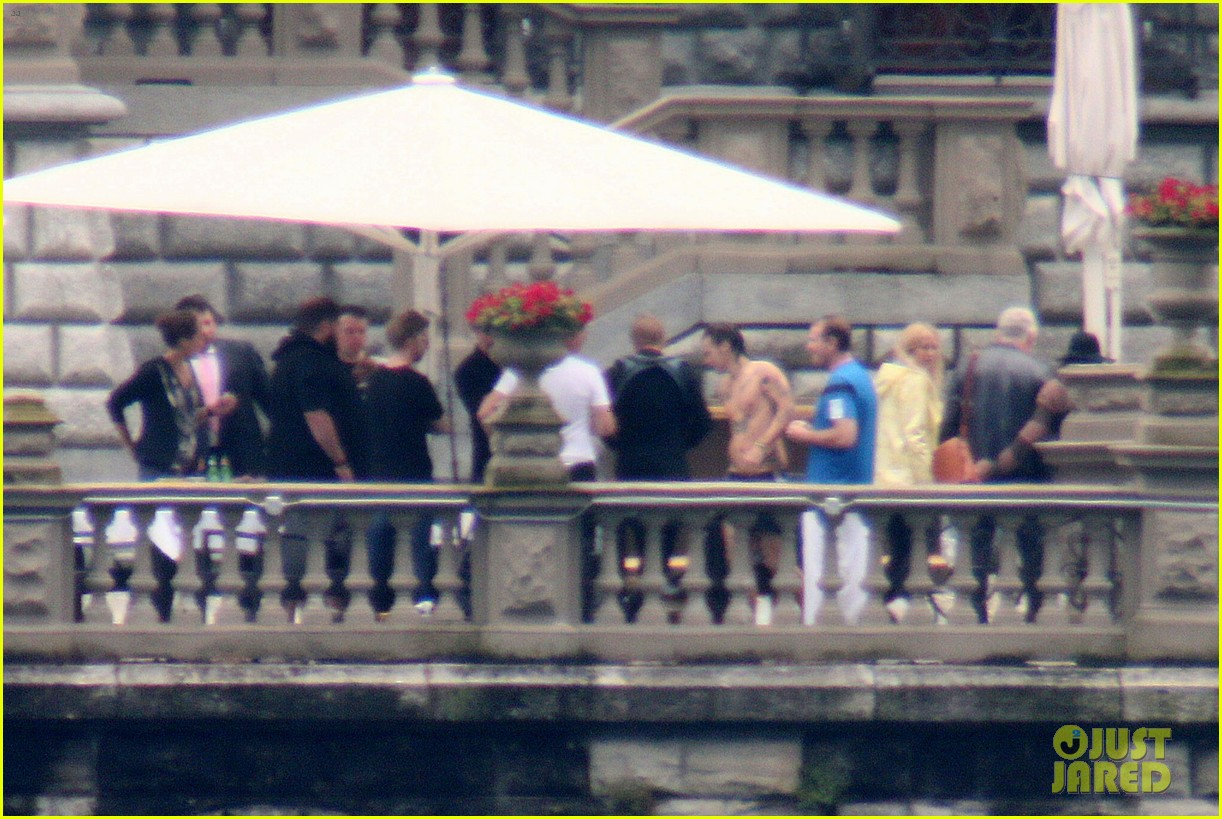 harry styles jumps into lake como 143146810
