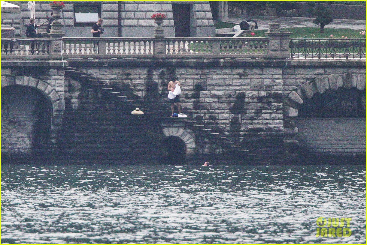 harry styles jumps into lake como 283146824