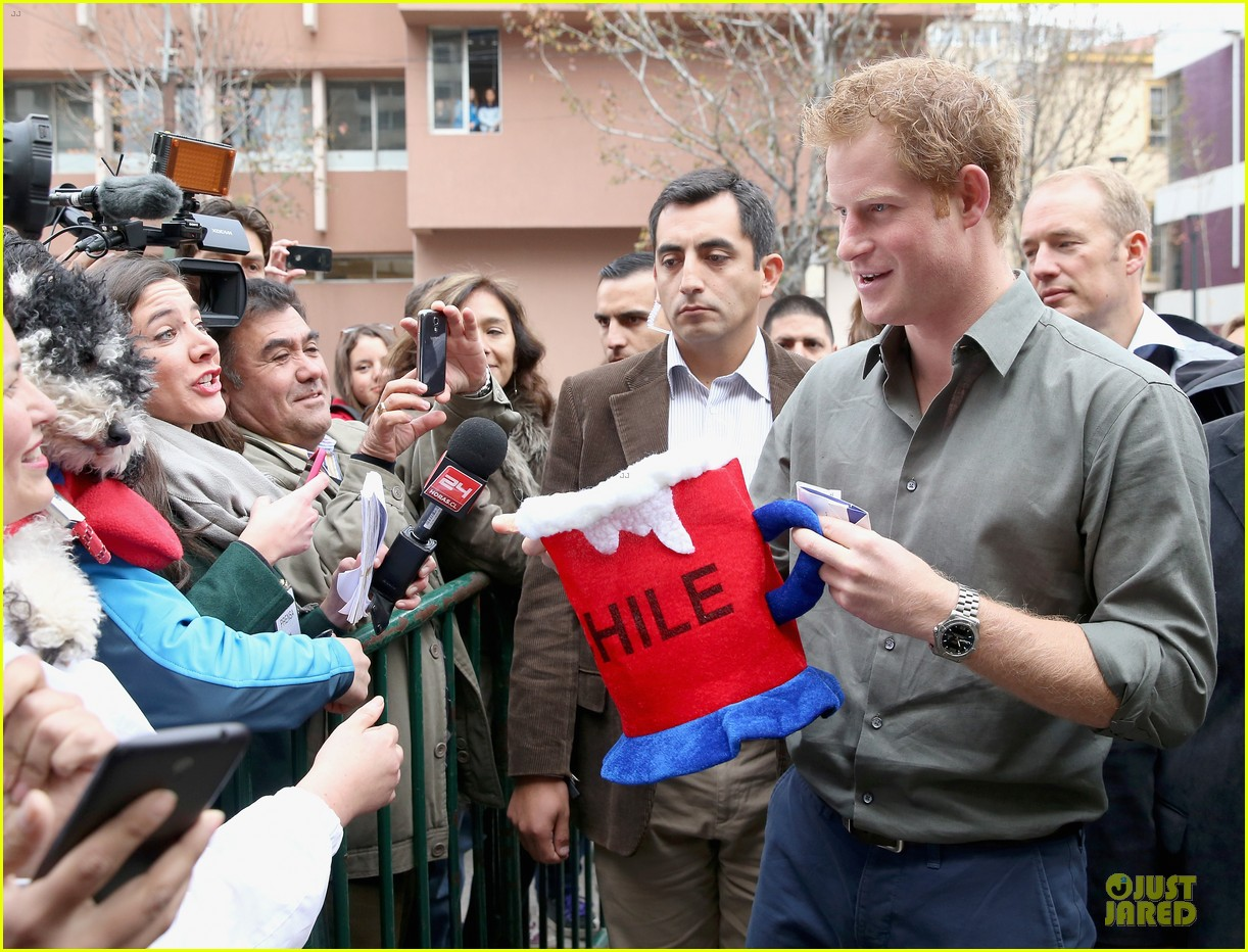 prince harry receives marriage proposal from middleton 023145570