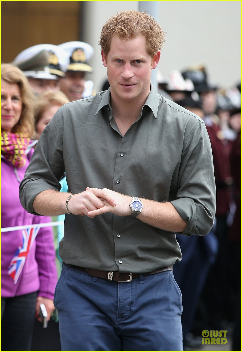 prince harry receives marriage proposal from middleton 063145574