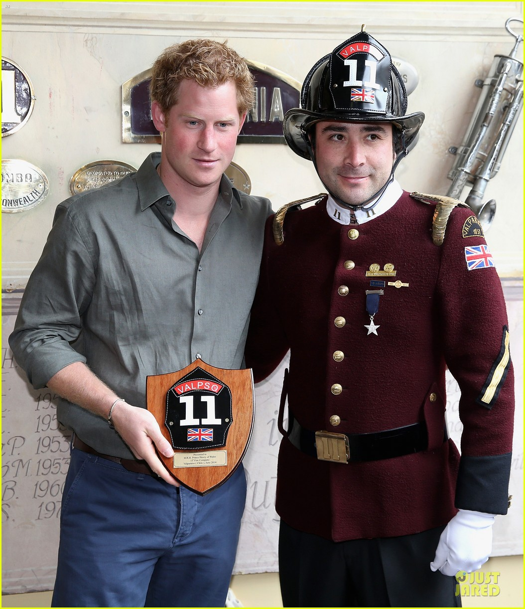 prince harry receives marriage proposal from middleton 073145575