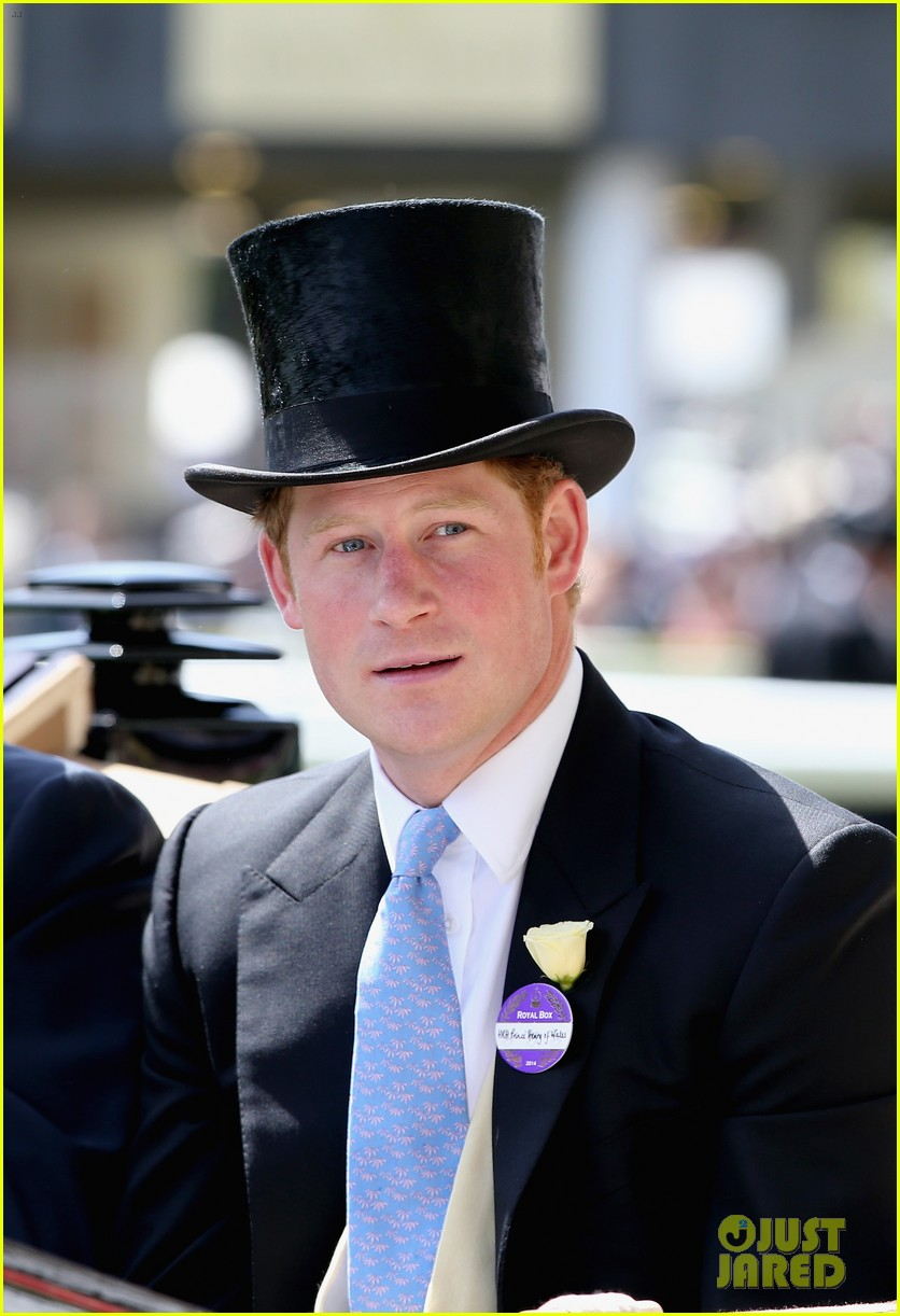prince harry looks top notch top hat 043137202