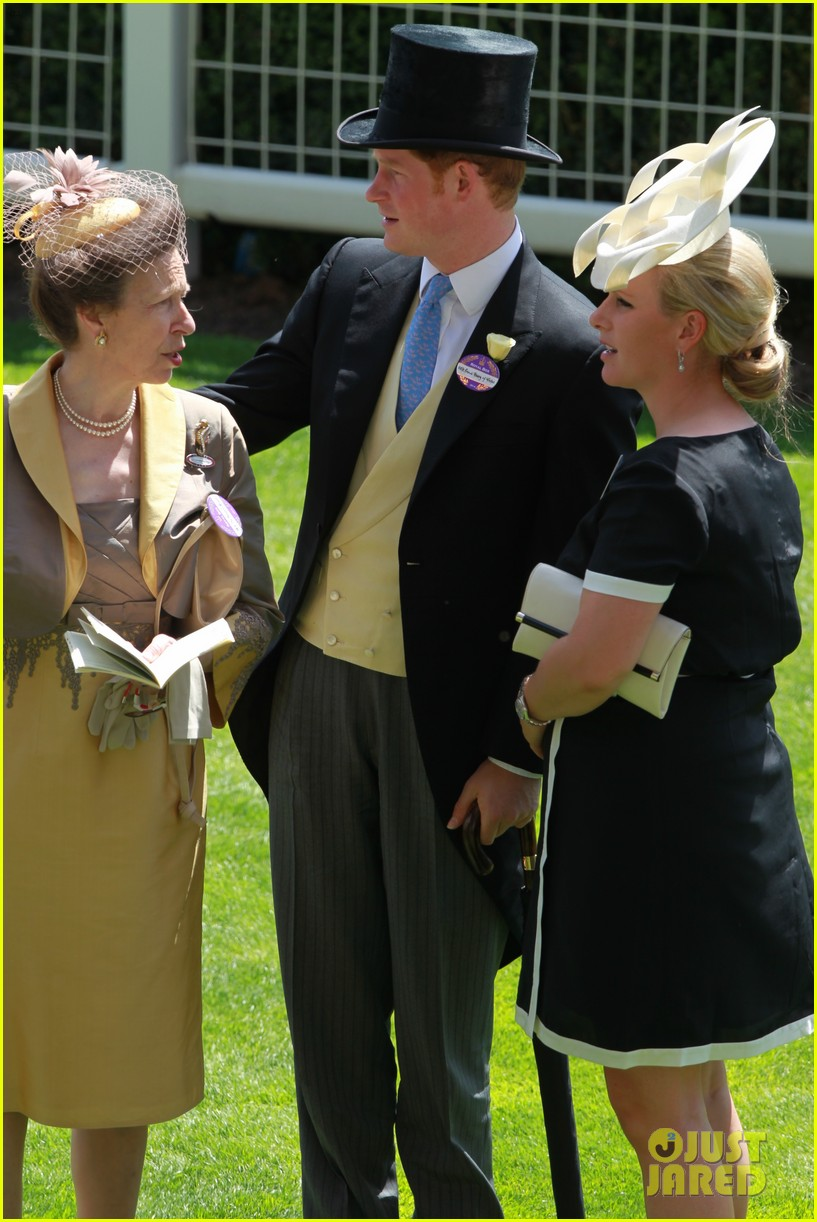 prince harry looks top notch top hat 053137203