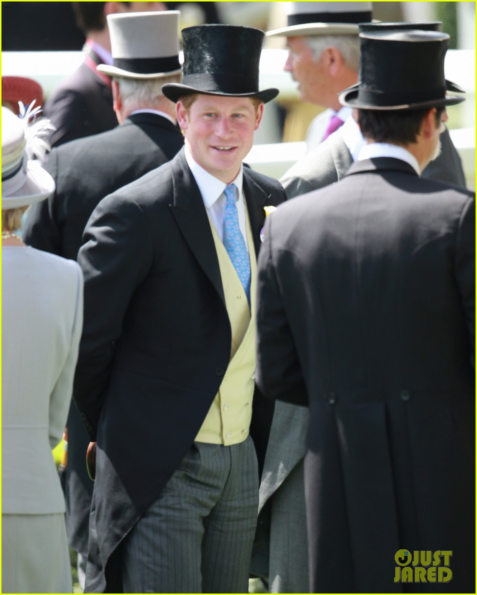 prince harry looks top notch top hat 283137226