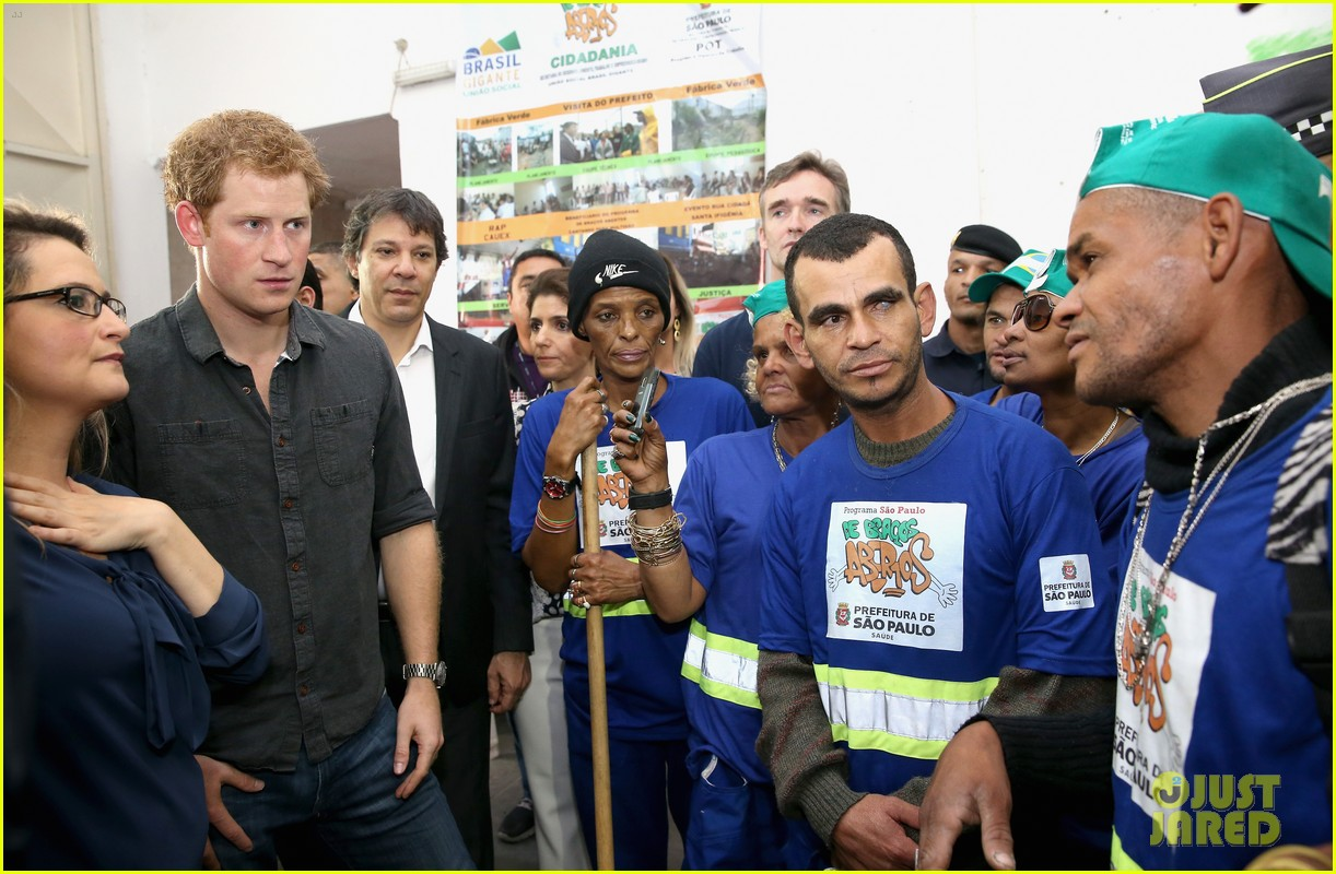 prince harry gets invitation to brazil by beautiful sabrina soto 063144586