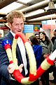 prince harry interaction with toddler is beautiful 08