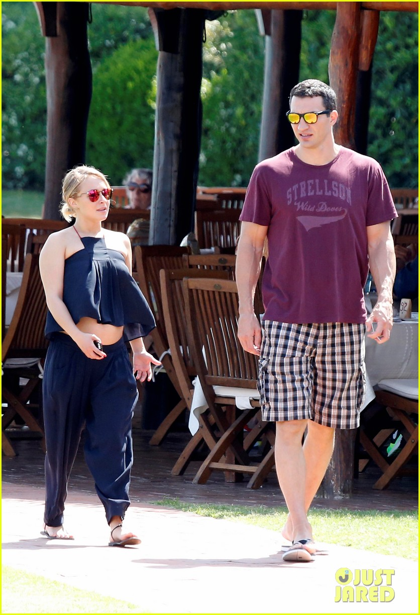 hayden panettiere flashes totally bare baby bump on vacation 213141536