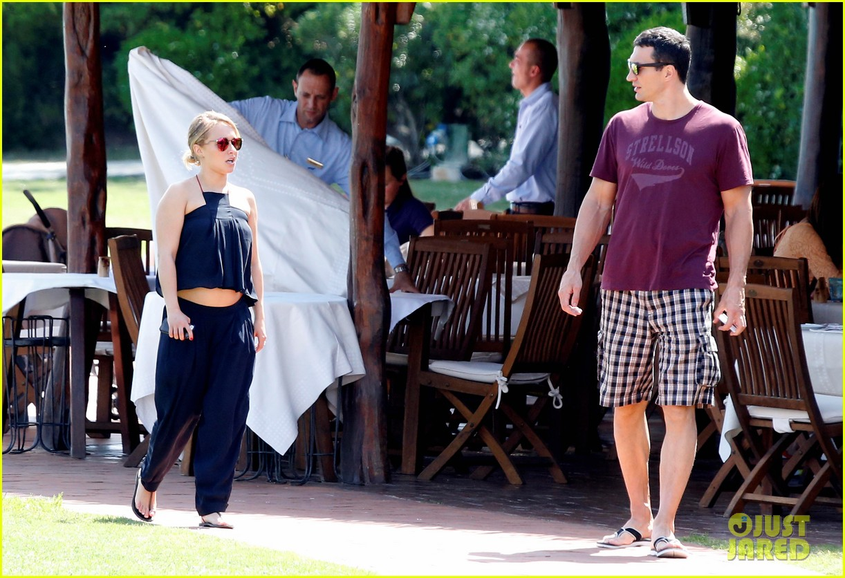 hayden panettiere flashes totally bare baby bump on vacation 343141549