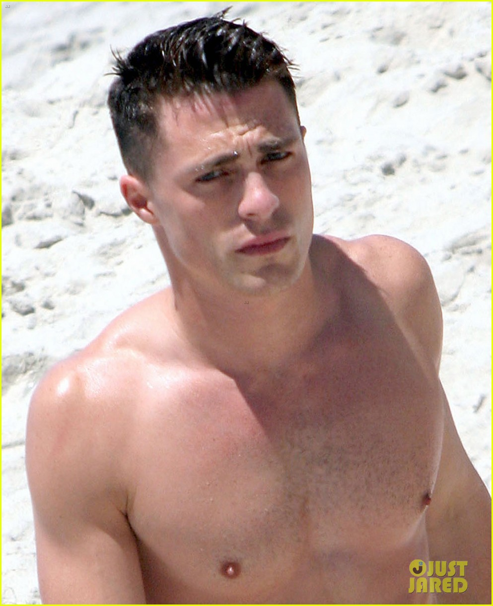 colton haynes shirtless beach 033141758