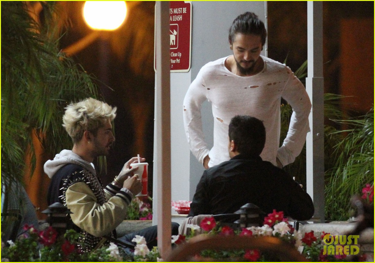 tokio hotel tom bill kaulitz grab astro burger together 053136180