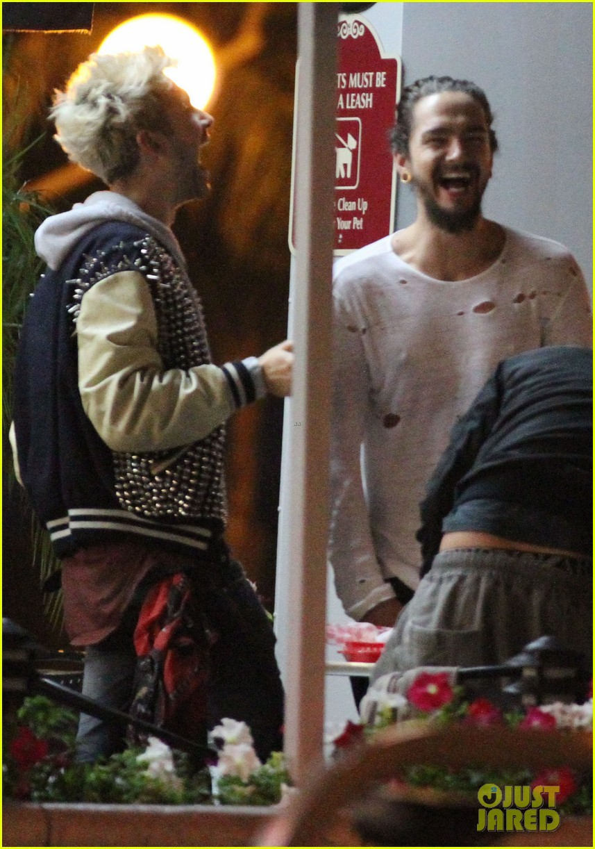 tokio hotel tom bill kaulitz grab astro burger together 093136184