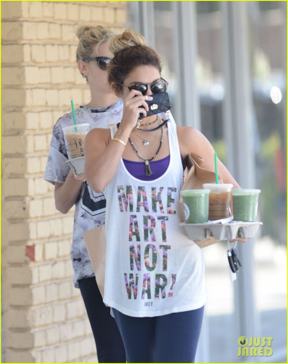 vanessa hudgens starbucks friends 223135567