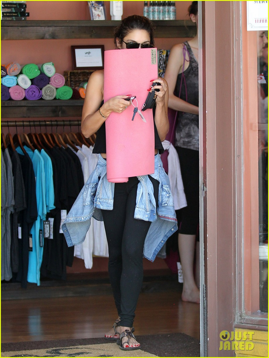 vanessa hudgens covers face after yoga always 113146178