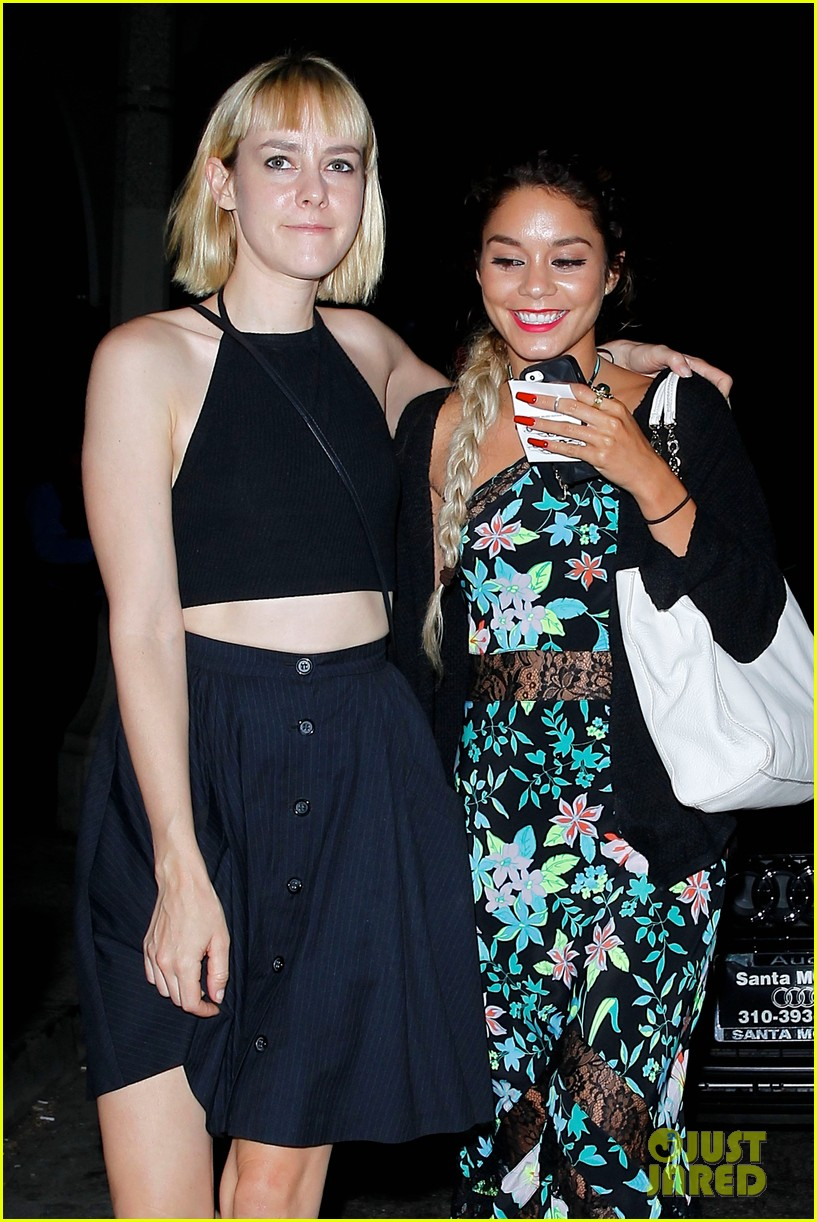 sucker punch reunion vanessa hudgens jena malone meet up 11